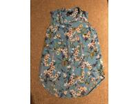 Blue floral H&M sleeveless blouse / top - EUR 34 (UK 8)