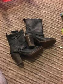 Size 6 cowboy style boots