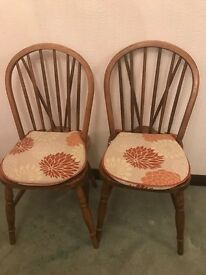 4x FLORAL CHAIR CUSHIONS - FREE TO COLLECTOR