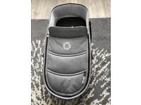 bugaboo bee 5 carrycot with 3 base grey melange