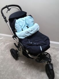Navy JANE Slalom pram with footmuff and raincover, car seat with footmuff and isofix