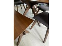 Table c/w bench and four chairs