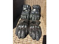 Leather Armoured motorcycle gloves x 2 size large