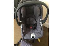 Mamas and papas car seat + isofix + matching bag