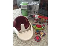 M&P Baby Snug seat and play tray in red