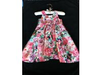 Young girls party dress. Age 12-18. Good condition. Worn only once. Silk.