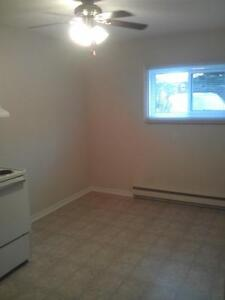 FEBRUARY  LARGE BACHELOR ALL INCLUDED IN HULL FOR $575 PER MONTH