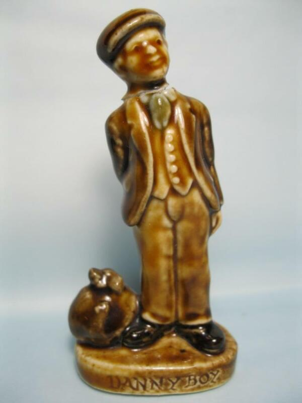 "Vintage DANNY BOY Man Wade Porcelain Figure Statue Ireland 3-1/2"" tall"