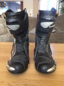 Richa Rachet Leather boots - size UK 9