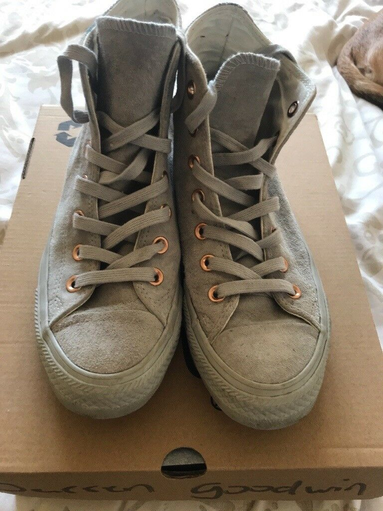 Grey converse boots