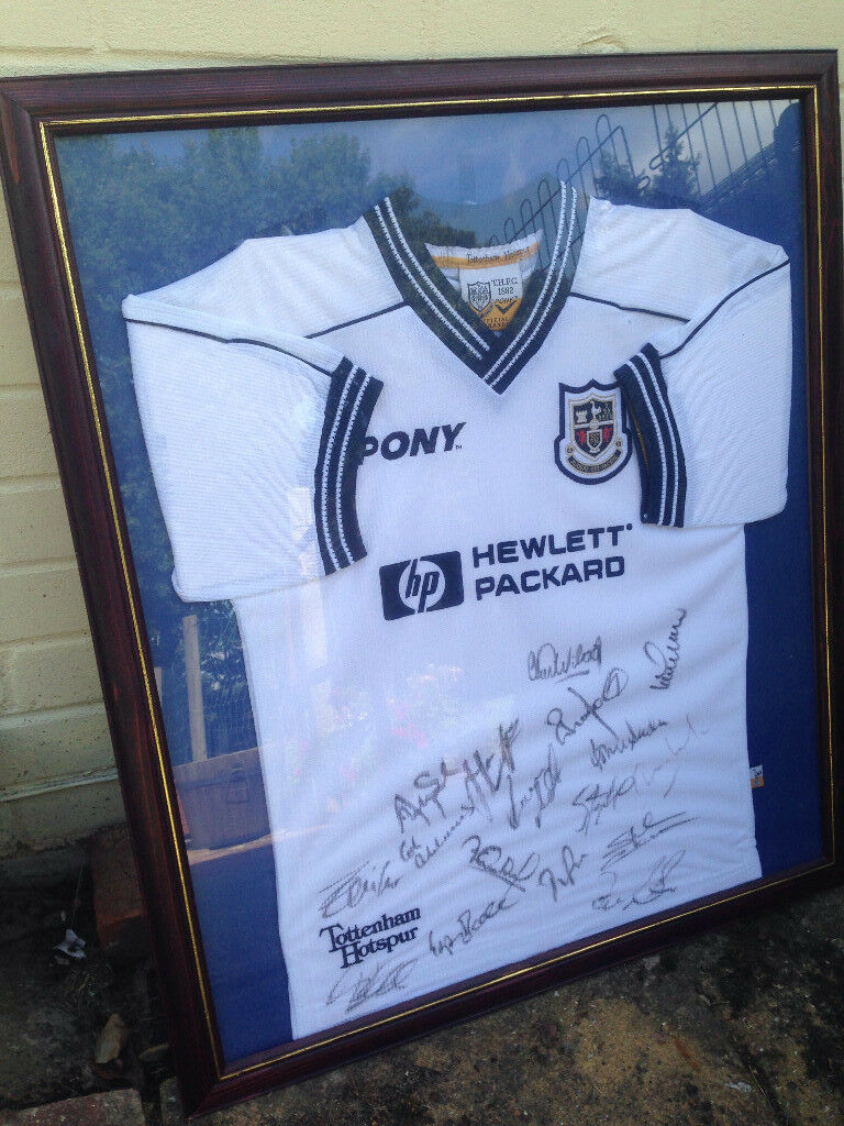 Signed and framed football shirt - Tottenham Hotspur - Spurs - Near Ferndown