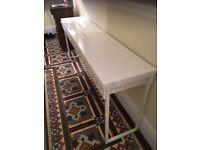 White highgloss 2 drawer desk / Side table