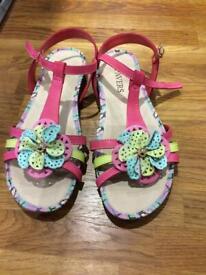 42120a16f800 Crocs Huarache ladies flat flip flip sandals beach summer UK 4 W6 ...