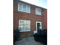 Fantastic 4 Bedroom Detached House in the Heart of Dagenham RM8 Ready to Move Straight Away