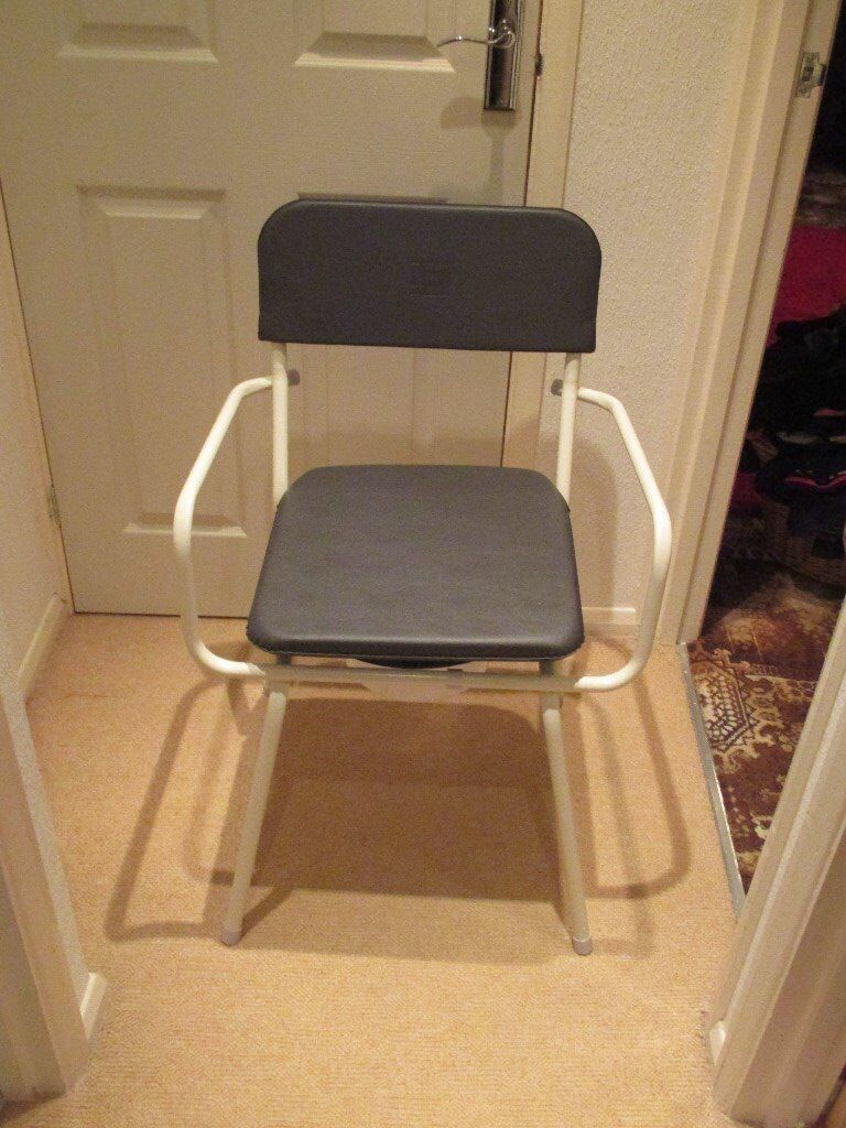 commodein Hawkinge, KentGumtree - commode chair with padded seat and pot. Lightweight but strong frame. Never used