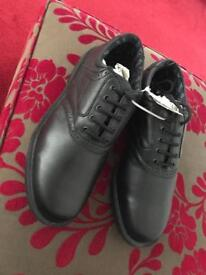 Golf Shoes - Size 9