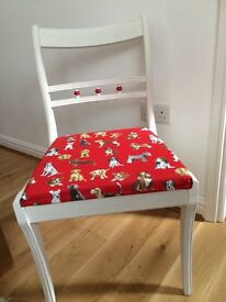 Beautiful solid chair with dog material seat cushion