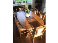 Solid oak dining table + 6 chairs (Also extends to 8 seater)