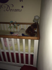 COT - 3 height levels - moveable gate - baby toddler bed