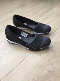 ***Puma Trainers UK Size 7***