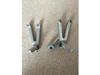Yamaha R1 02 Pillion Foot Pegs and Assembly