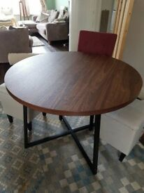 NEXT - Round Dining Table