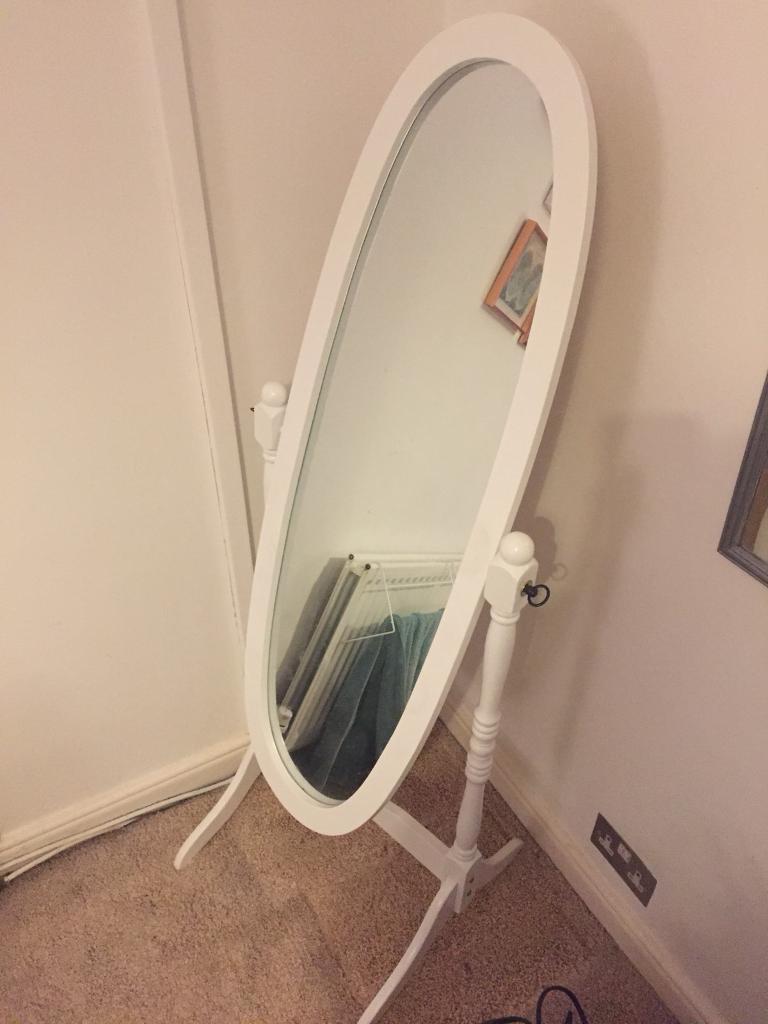 White full length standalone mirror