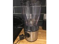 Blender/liquidiser perfect for soups and smoothies