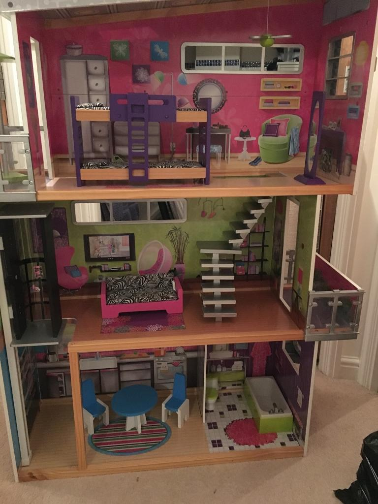 Large dolls house suitable for Barbies