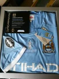 2011 FA CUP Winners Commemorative Boxed Set
