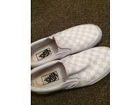 White Slip on Vans 4.5