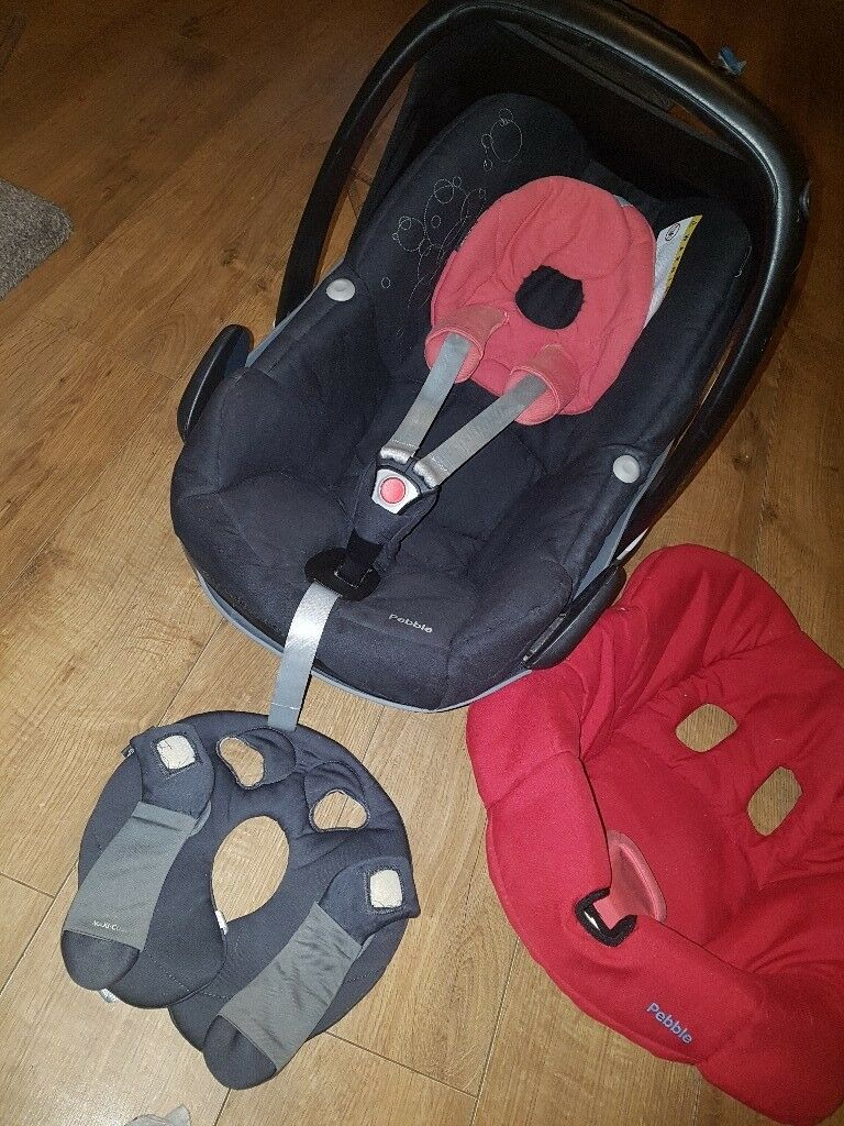 Maxi cosi pebble carseat with extras