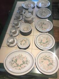 Hornsea pottery dinnerware set