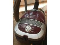 Miele cat&dog 2200w vacum cleaner.
