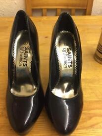 Size 2- uk Black heels