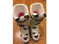 Salomon Ski Boots Womens Size 8/9