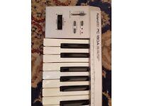 Roland PC-180A MIDI controller keyboard