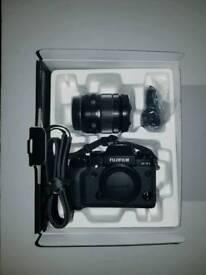 Fuji - Fujifilm XT1 + XF 18-55mm 2.8-4 R LM OIS