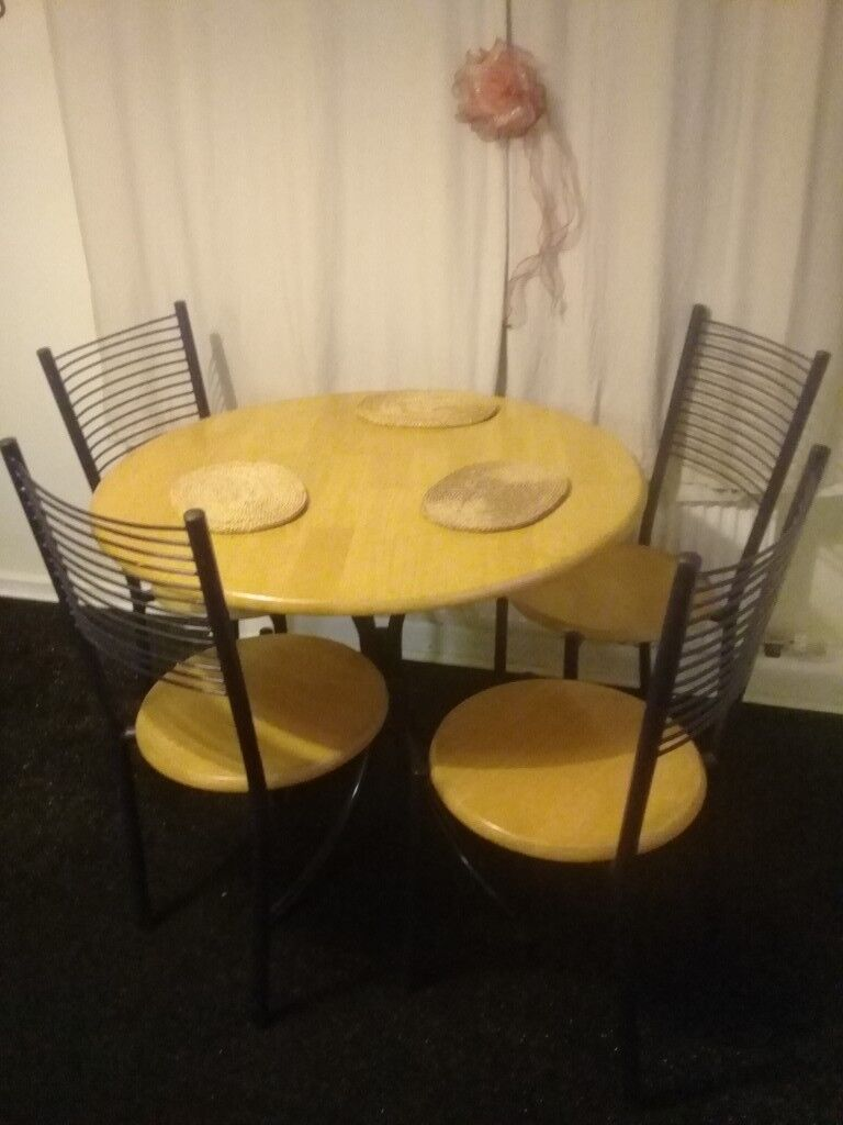 Dining Table And 4 Chair Oldham