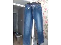 south jeans- top condition -hardly worn -size 12 -29leg