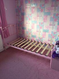 Girls pink single bed