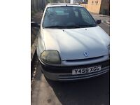 Renault Clio 1.1 Reg 2001 Silver Quick sale negotiation