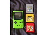 Gameboy Color & 3 x Pokemon games