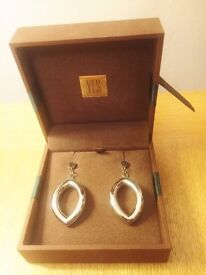 NEW gorgeous silver earrings + giftbox