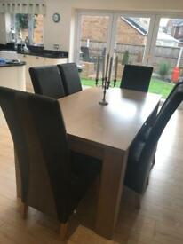Harvey's Oak Dining Table & 6 Chairs