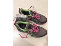 Brand New Asics Gel revive 5 running shoes-womens size 4