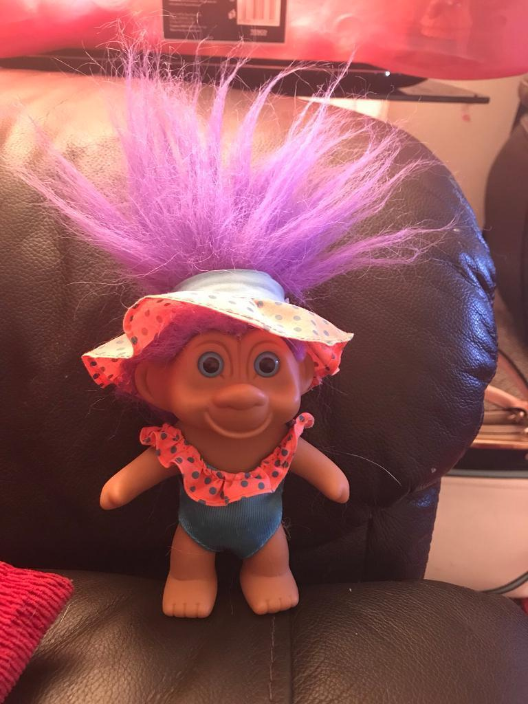 """VINTAGE COLLECTABLE RUSS TROLL, 9"""" purple hair, Swimming costume and matching sun hat"""