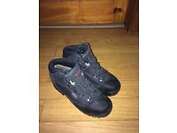 Demon Black Hiking Boots Uk 6.5 worn once as new