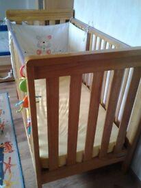 Cot bed Mamas&Papas