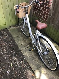 Raleigh Caprice Women's bicycle